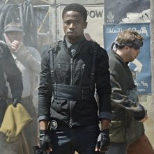 Defiance: Dewshane Williams nell'episodio In My Secret Life