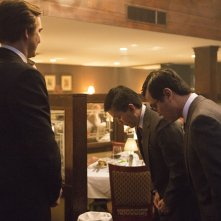 Halt and Catch Fire: Scott Taked, Lee Pace e Han Soto nell'episodio