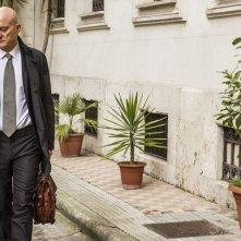 Confusi e felici: Claudio Bisio nei panni di Marcello, uno psicanalista in crisi, in una scena