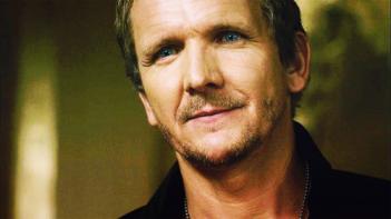 Supernatural: Sebastian Roché in una scena della serie