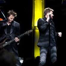 Duran Duran: Unstaged, Simon Le Bon e John Taylor in una scena del documentario