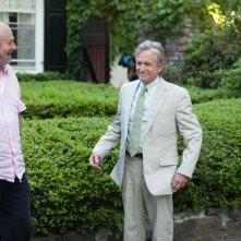 Rob Reiner con Micheal Douglas in un una foto dal set di Mai così vicini