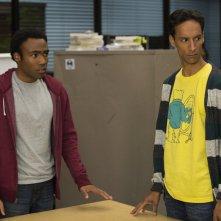 Community: Donald Glover e Danny Pudi nell'episodio Repilot