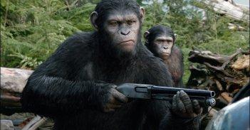 Cesare a capo della rivolta in Apes Revolution - Il pianeta delle scimmie