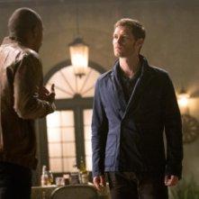The Originals: Chalres Michael Davis e Joseph Morgan nell'episodio Il rito del raccolto