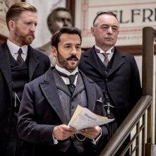 Mr. Selfridge: Jeremy Piven in una scena del settimo episodio della seconda stagione