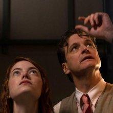 Magic in the Moonlight: Emma Stone e Colin Firth bagnati dalla pioggia