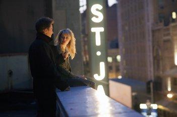Birdman: Emma Stone con Edward Norton in una scena del film
