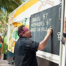 Chef - La ricetta perfetta: Jon Favreau e John Leguizamo fuori dal loro furgoncino alimentare