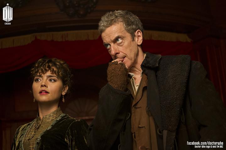 Doctor Who: Peter Capaldi e Jenna Coleman in una scena della prossima premiere