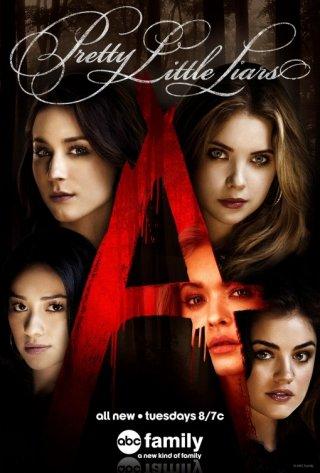 Pretty Little Liars: un manifesto promozionale per la quinta stagione della serie