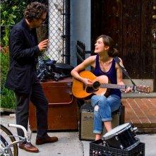Begin Again - Tutto può cambiare: Mark Ruffalo e Keira Knightley in una scena della commedia