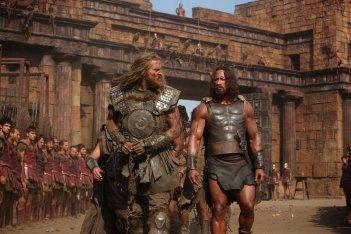 Tobias Santelmann e Dwayne Johnson in una scena di Hercules - Il Guerriero