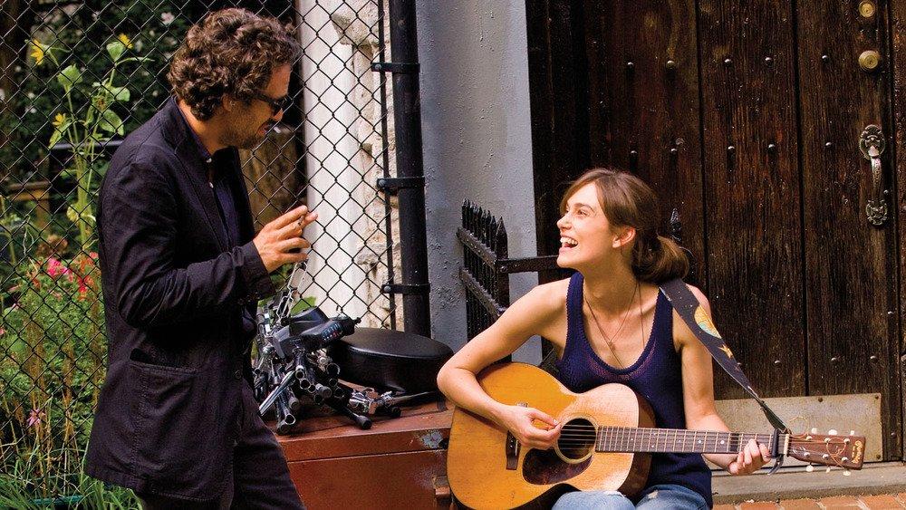 Begin Again - Tutto può cambiare: Keira Knightley e Mark Ruffalo in una scena del film