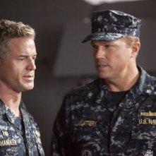 The Last Ship: Adam Baldwin con Eric Dane nell'episodio We'll Get There