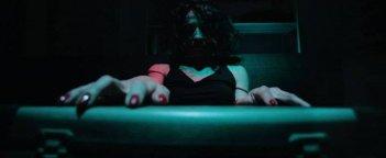 Un'inquietante scena tratta dall'horror P.O.E. - Pieces of Eldritch