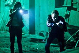 Dominion: Chris Egan e Kim Engelbrecht nell'episodio Something Borrowed