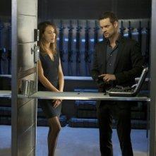 Nikita: Maggie Q e Shane West nell'episodio Il giorno dopo