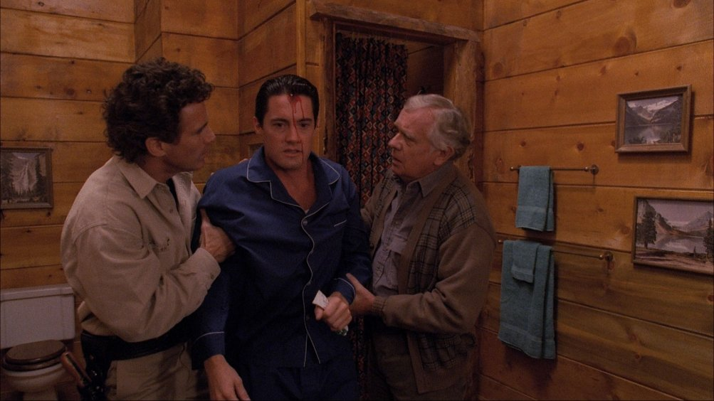 Twin Peaks - The entire mystery: una foto dalla scena tagliata dal finale