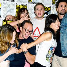 Comic-Con 2014: Ming-Na Wen, Brett Dalton, Chloe Bennet, Iain de Caestecker, Elizabeth Henstridge in un'immagine