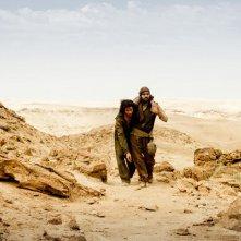 The Cut: Tahar Rahim attraversa il deserto sorretto da un uomo
