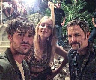 Aquarius: Claire Holt e Grey Damon sul set notturno
