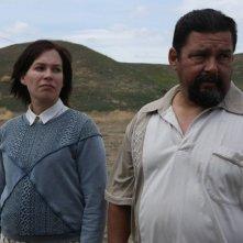 The Bridge: Franka Potente e Alejandro Patino nell'episodio The Acorn