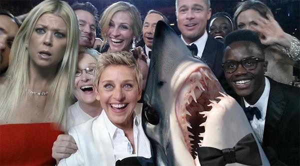 Sharknado 2: The Second One - Un simpatico fotomontaggio che rimaneggia il celebre selfie degli Oscar