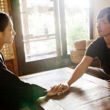 Gyeongju: Park Hae-il e Shin Min-a in una scena del film