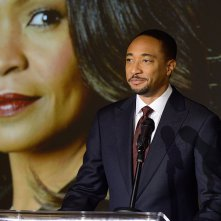 The Divide: Damon Gupton in una scena