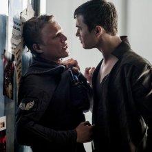 Dominion: Tom Wisdom e Chris Egan nell'episodio Ouroboros