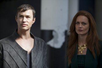 Dominion: Rosalind Halstead e Tom Wisdom nell'episodio Ouroboros