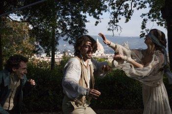 Il giovane favoloso: Michele Riondino con Elio Germano in una scena del film
