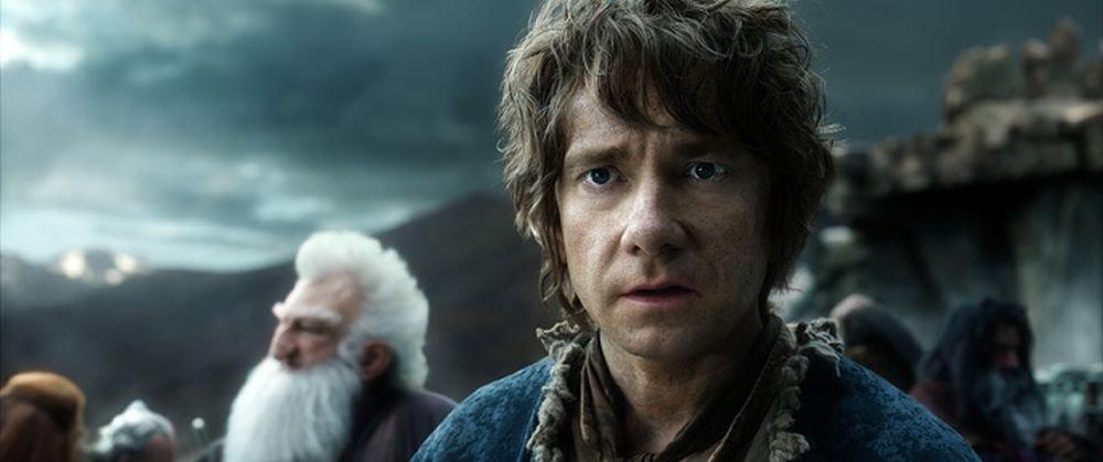 Bilbo Baggins, interpretato da Martin Freeman, in una scena de Lo Hobbit: La Battaglia delle Cinque Armate