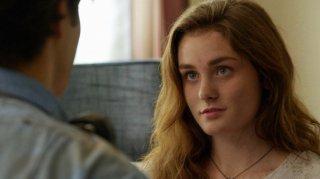 Under the Dome: Grace Victoria Cox in una scena dell'episodio In the Dark