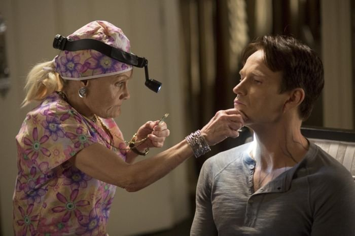 True Blood: Marcia de Rousse e Stephen Moyer nell'episodio May Be the Last Time