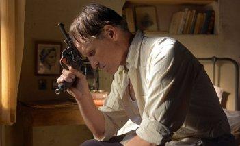 Viggo Mortensen in un drammatico momento di Loin des hommes