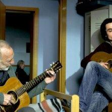 Pause: André Wilms insieme a Baptiste Gilliéron in una scena del film