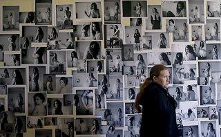 The Killing: un'immagine di Mireille Enos nell'episodio Unraveling