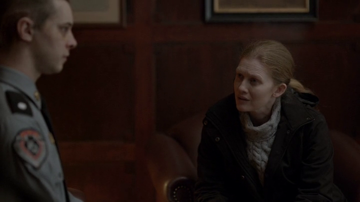 The Killing: Mireille Enos nell'episodio Unraveling
