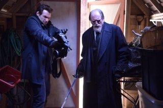 The Strain: Corey Stoll e David Bradley nell'episodio Runaways
