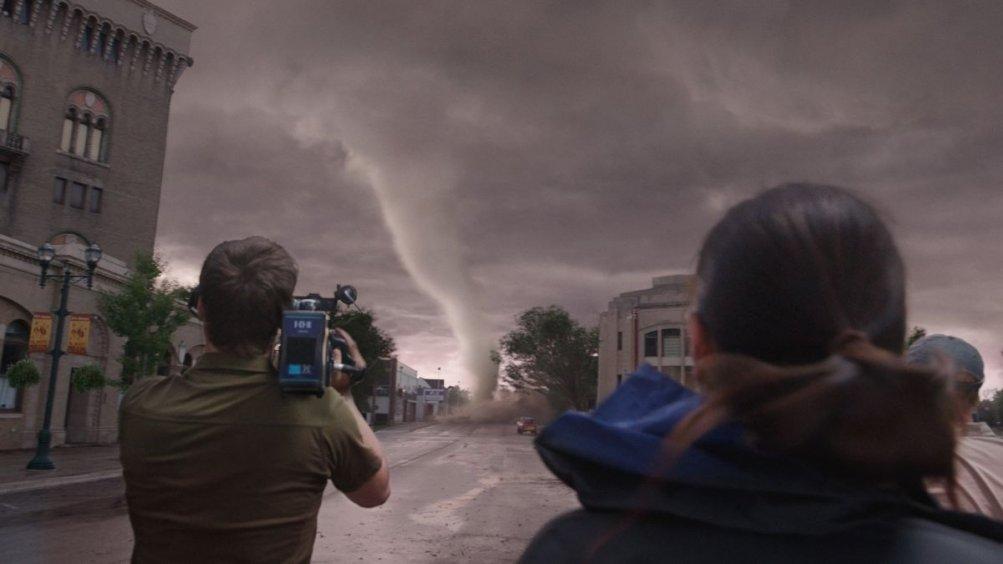 Into the Storm: cacciatori di tornado in una scena del film