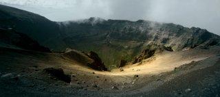 Sul vulcano: una scena tratta dal documentario sul Vesuvio