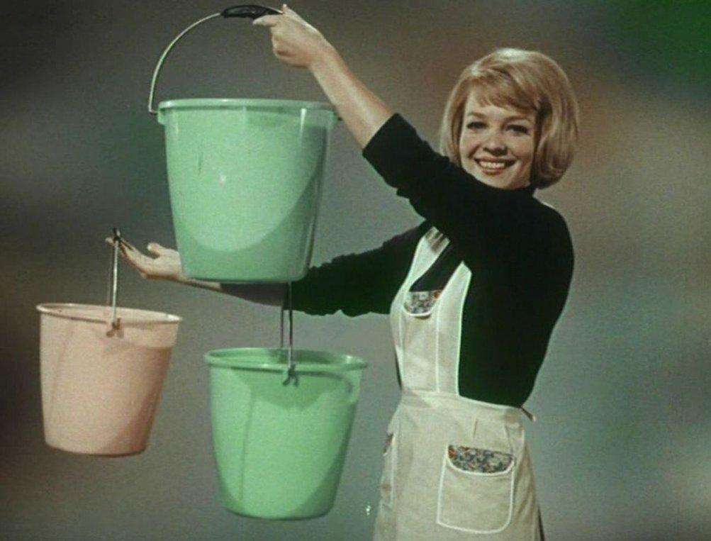 La Zuppa del Demonio: la pubblicità della Moplen del 1966 in una scena del documentario