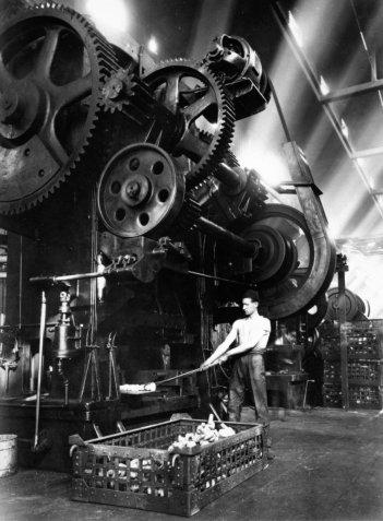 La Zuppa del Demonio: Fiat, pressa Hamilton, 1934 al Lingotto di Torino