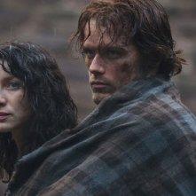 Outlander: Caitriona Balfe con Sam Heughan nel pilot, Sassenach