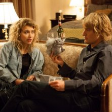 Owen Wilson con Imogen Poots in Tutto può accadere a Broadway
