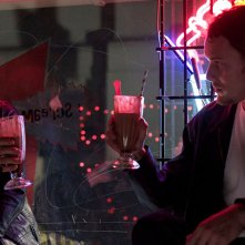 Burying the Ex: Anton Yelchin e Alexandra Daddario in una scena del film