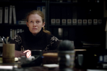 The Killing: Mireille Enos in una scena dell'episodio Truth Asunder