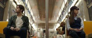 Before I Disappear: Shawn Christensen e Fatima Ptacek in una sequenza del film